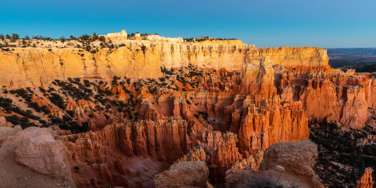The golden light at sunset at the Paria View in Bryce Canyon National Park.
