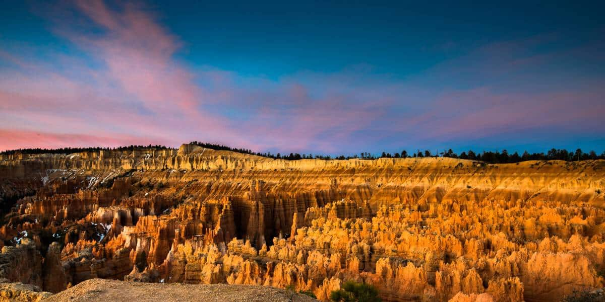 Sunrise light at Sunset Point, Bryce Canyon National Park.
