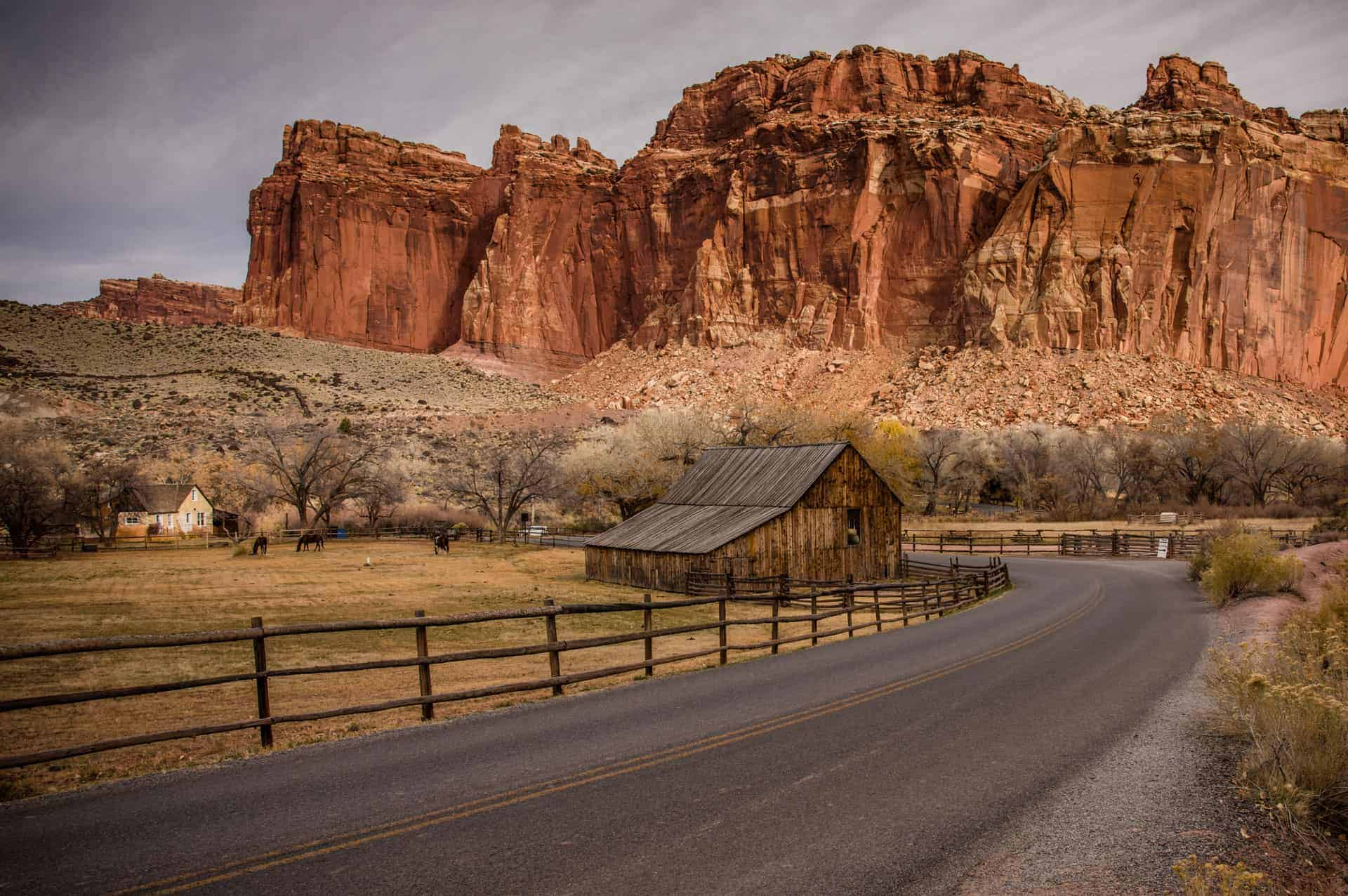 Best Capitol Reef Hikes and Activities