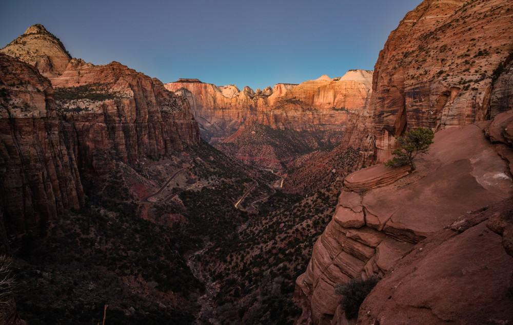 Canyon Overlook at sunrise at Zion National Park, Utah