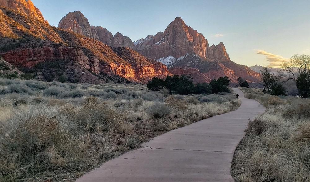 Pa'rus Trail at sunset at Zion National Park, Utah