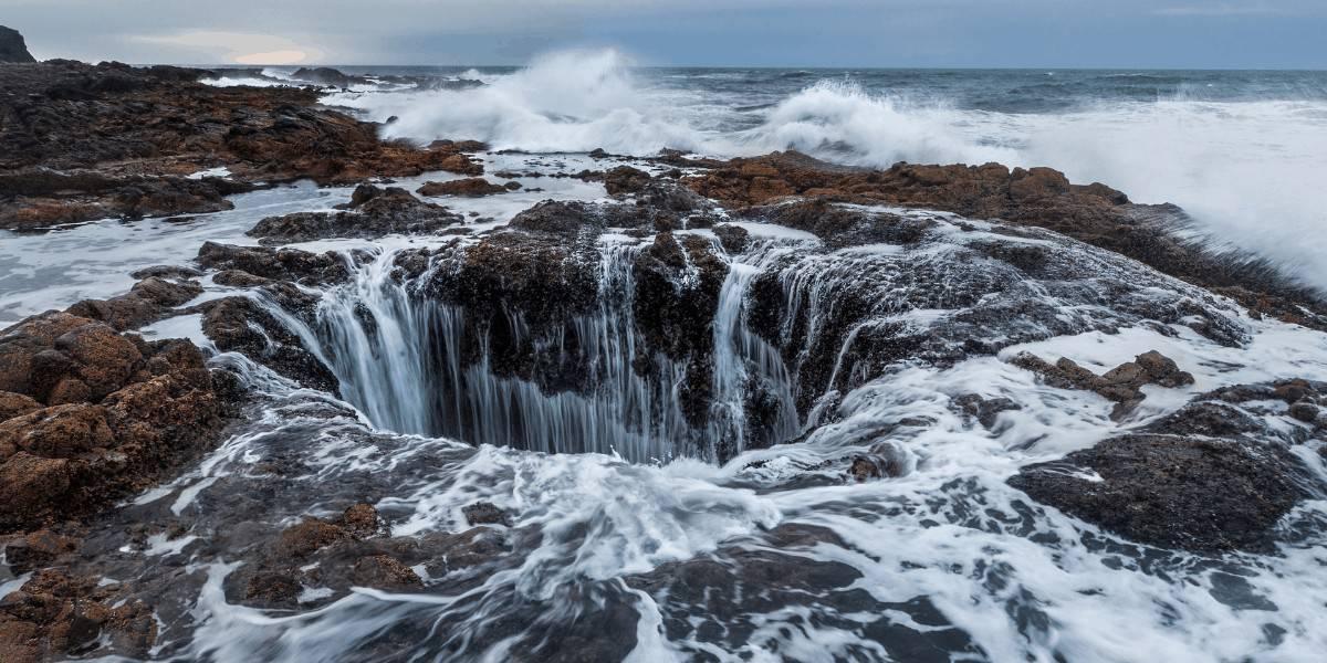 Thor's Well along the Oregon Coast