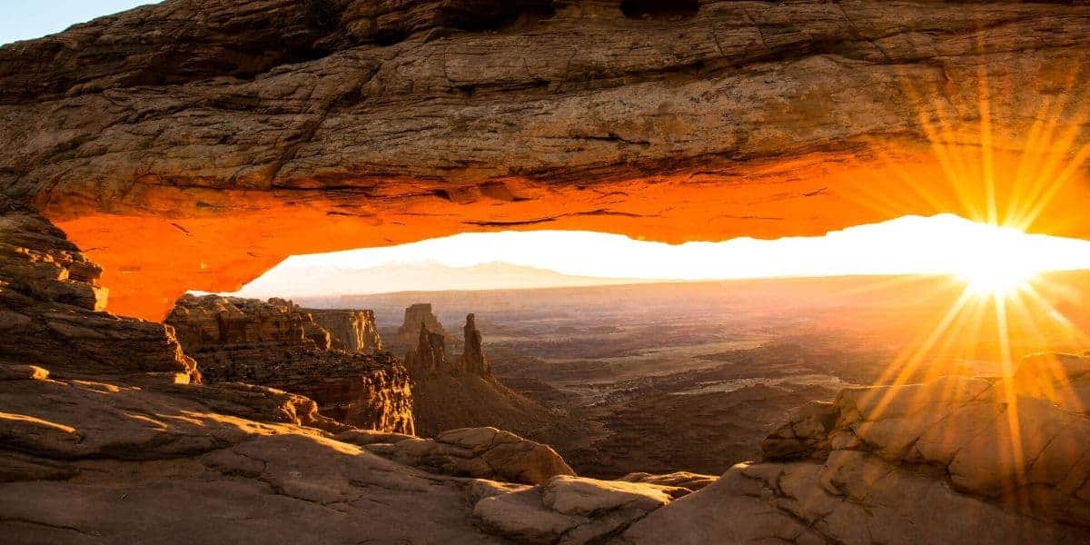 Canyonlands Island in the Sky: 19 Amazing Things to Do - PhotoJeepers