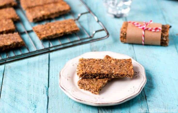 Paleo Granola Bars Recipe (Crunchy Energy Nut Bars)