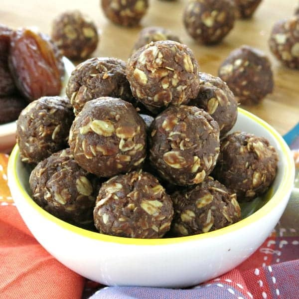 Chocolate Date Balls {No-Bake, Vegan}