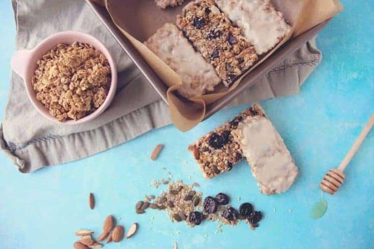 Vanilla Yoghurt Coated Granola Bar Recipe