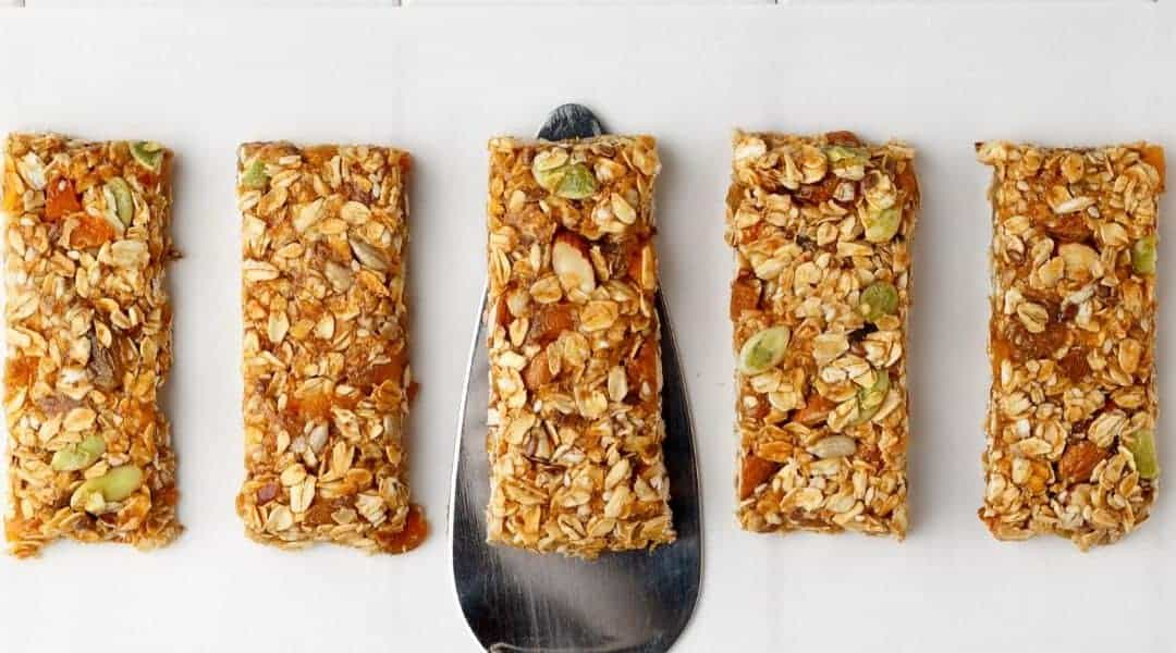10 Vegan and Gluten Free Granola Bar Recipes for the Perfect Travel Snack