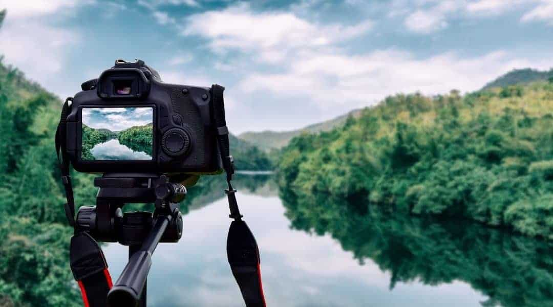 Top 10 Best DSLR Cameras for Travel Photography