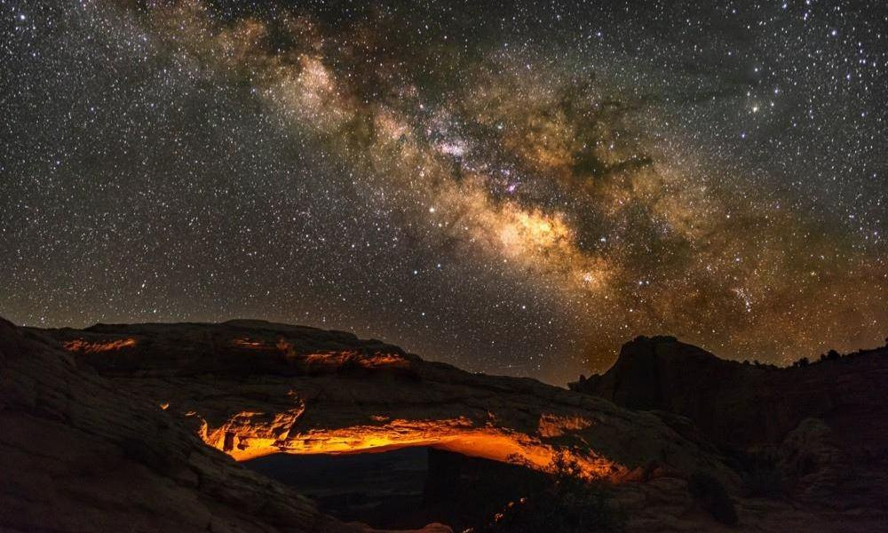 Milky way at Mesa Arch, Canyonlands