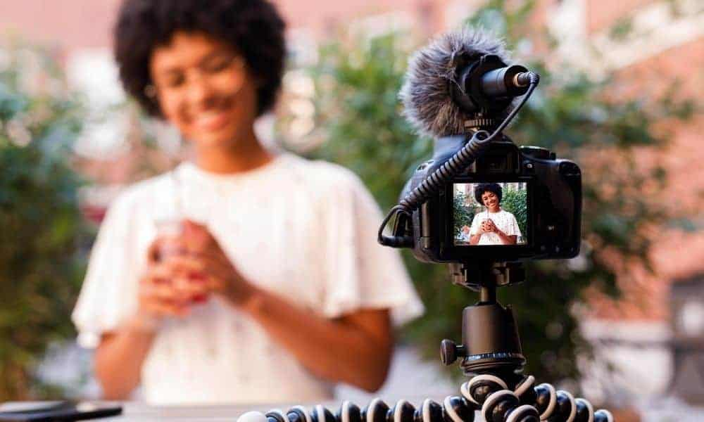 Gift Guide for Vloggers: Equipment Every Vlogger Needs