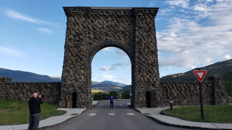 20 Yellowstone Vacation Tips You Must Read