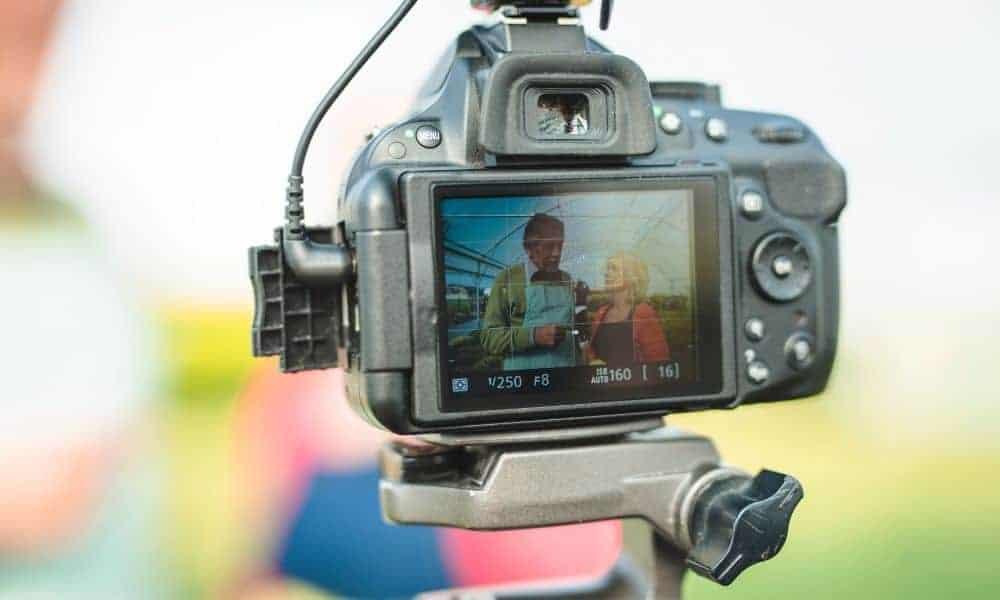Top 10 Best Vlogging Cameras for Beginners