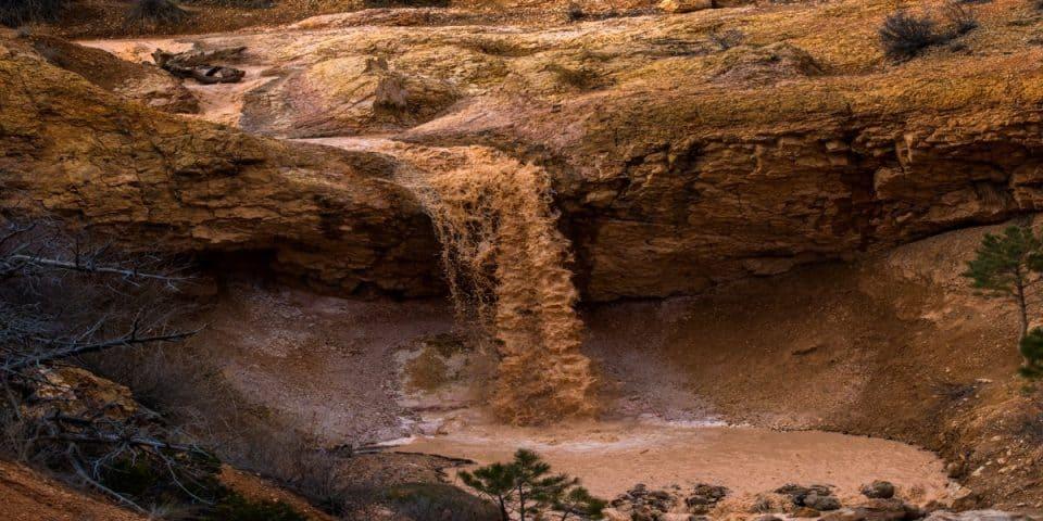 hike at Bryce Canyon, Mossy Trail waterfall
